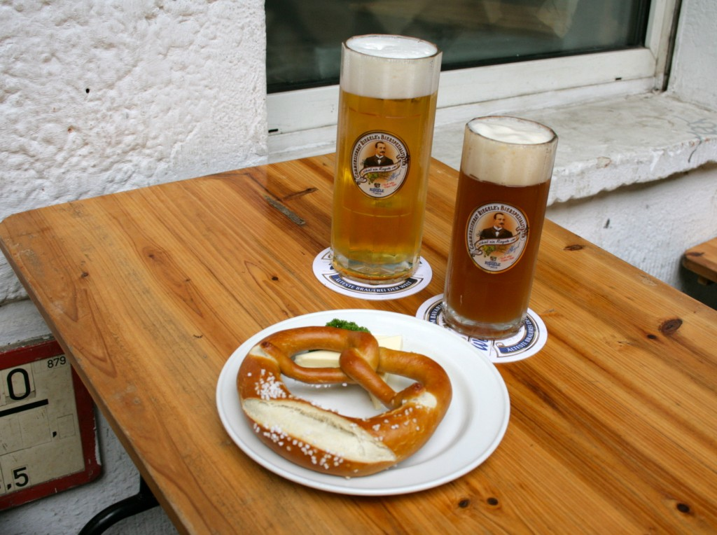 beer and pretzel at spaetzle and knoedel by taxiberlin
